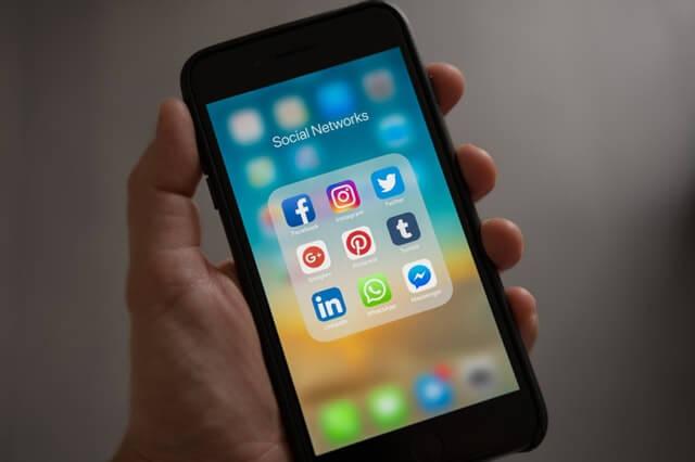 Social Media on Mobile Phone